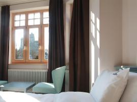 Conacul Törzburg, hotel din Bran