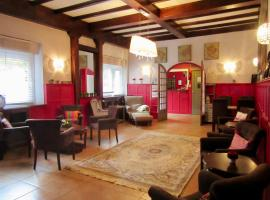 Hôtel des Causses, hotel in Millau