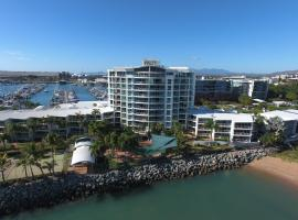 Mariners North Holiday Apartments, apartment in Townsville