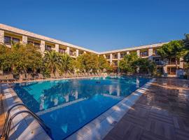 Iris Hotel, отель в городе Чанаккале