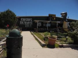 Grand Canyon Caverns Inn, B&B in Peach Springs