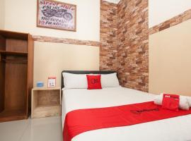 RedDoorz near Stasiun Kota Baru Malang, guest house in Malang