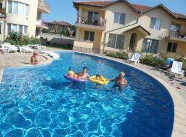 Family Hotel Radka, hotel in Kranevo