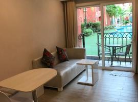 Seven Seas Resort by Pool Access, apartment in Jomtien Beach