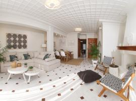 M house luxury suites, hotel near Ethnikis Antistaseos Square, Lixouri