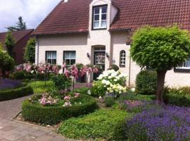 Chalet nearby Roermond Outlet, self catering accommodation in Stevensweert