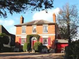 Holly House Bed and Breakfast and Apartments, hotel in Hereford