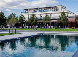 Riviera Zoloche Resort & Spa, hotell nära Boryspil internationella flygplats - KBP, Vishenki