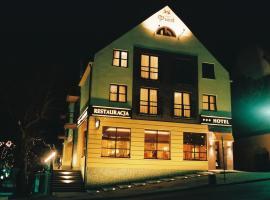 Hotel Piast, hotel in Cedynia