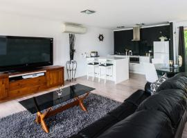 Lure Bed and Breakfast, B&B in Normanville