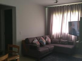 J&C ap.- Canela, apartment in Canela
