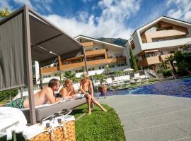 Familien-Wellness Residence Tyrol, hotell i Naturno