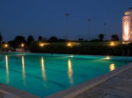 Hotel Baya Strand, hotel near Cervia Thermal Bath, Milano Marittima