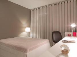 HomeStay 2 - Avenida Carlos Gomes, hotel near Porto Alegre Country Club, Porto Alegre