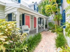 Old Town Garden Villas, holiday home in Key West