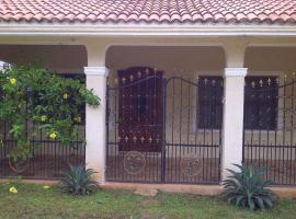 Villa Maya Luum (Villa Tierra Maya), hotel en Chichén Itzá