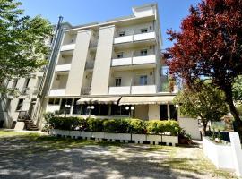 Hotel Marika, hotell nära Federico Fellinis internationella flygplats - RMI, Rimini