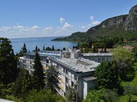 Garda Apartments in Euroresidence, hotel near Baia delle Sirene Park, Garda