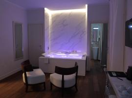 Palazzo Cini Luxury Rooms in Pisa, hotel in Pisa