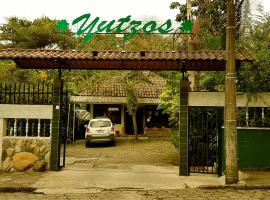 Hotel los Yutzos, hotel em Tena