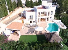 Villa Sa Seni, hotel en Cala Llonga