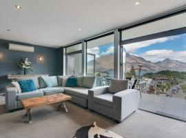 Villa Two at Vailmont Queenstown, hotel near Queenstown Lakes District Library, Queenstown