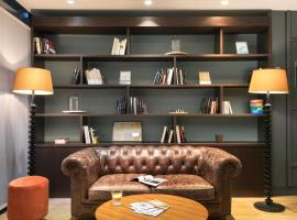 Quality Hotel & Suites Bercy Bibliothèque by HappyCulture, hotel in Paris