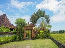 Rumah Sungai Villa, hotel near Naughty Nuri's Ubud, Ubud