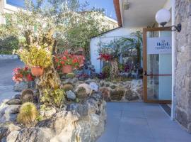 Hotel Terme Tirrenia, hotel in Ischia
