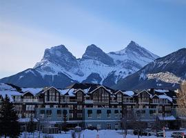 Sunset Resorts Canmore and Spa, hotel in Canmore