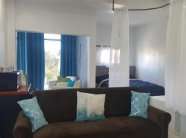DB Tower Vacation Rental, apartment in Belize City