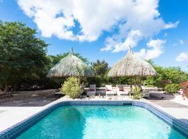 Gorgeous Villa in Rif St. Marie with Private Pool, villa in Willibrordus