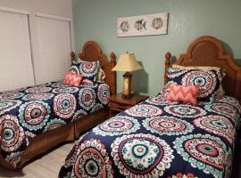 2BR/1BA Sienna Park Apartment, apartment in Sarasota