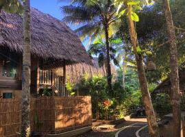 Villa Monyet Java, holiday home in Batukaras