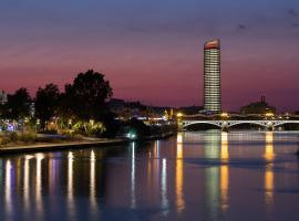 Eurostars Torre Sevilla, hotel conveniente a Siviglia