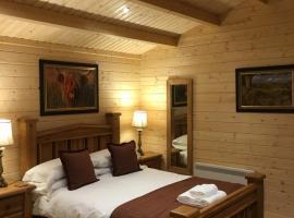Auchenlea lodges, cabin in Glasgow