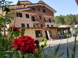 Hotel del Lago Ampollino, hotell i Torre Caprara
