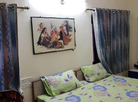 Budget stay between the hills, hotel in Mount Ābu
