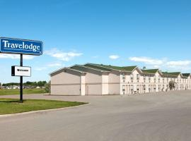 Travelodge by Wyndham Brooks AB, hotel em Brooks