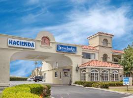 Travelodge by Wyndham Costa Mesa Newport Beach Hacienda, hotel in Costa Mesa