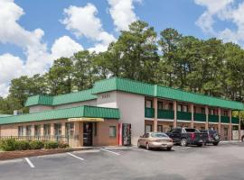 Super 8 by Wyndham Columbia/Ft. Jackson SC, motel in Columbia