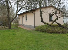 Modern Bungalow in Kuhlungsborn with Terrace, holiday home in Kühlungsborn