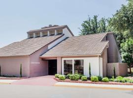 Hawthorn Suites Dallas Love Field, hotel near Dallas Love Field Airport - DAL,