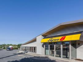Super 8 by Wyndham Kirkland Lake, hotel em Kirkland Lake