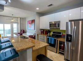 Luxury Oceanfront Condo in Ocean Grove, apartment in Galveston
