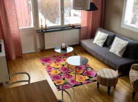 Entire modern home in Stockholm Kista - suitable for six people, feriebolig i Stockholm