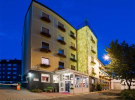 Hotel Am Heideloffplatz, hotel near Langwasser Messe underground station, Nürnberg