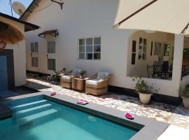 Mandinka Lodge, hotel near Little Monkey Zoo (Bijilo Monkey Park) (Banjul), Kololi