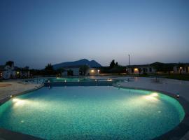 Santa Maria Resort, hotel with jacuzzis in Orosei