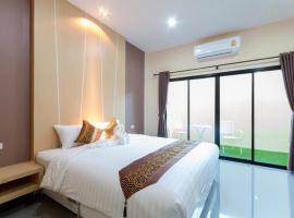 The Tide Resort, hotel in Nakhon Si Thammarat